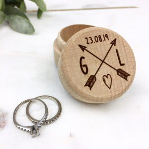 Personalised arrow ring box